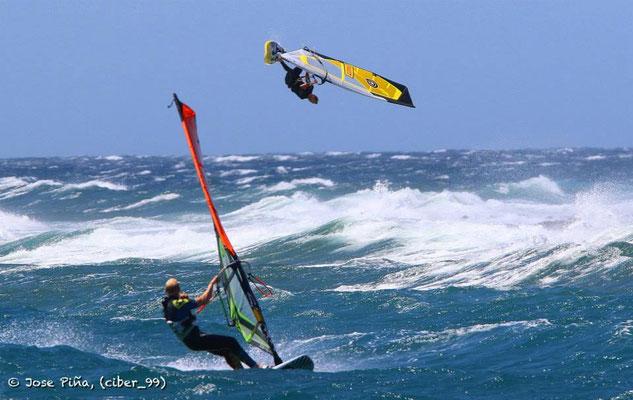 Da darf gerne geglotzt werden: Marcillio Browne macht Luft-Akrobatik.