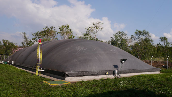 Covered lagoon digester - Aqualimpia