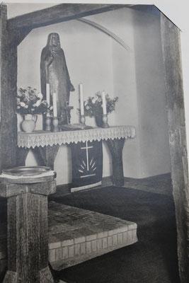 Altarfigur in der Bauernhauskirche