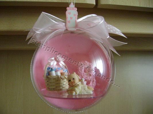 Pallina con miniature per nascita (davanti)