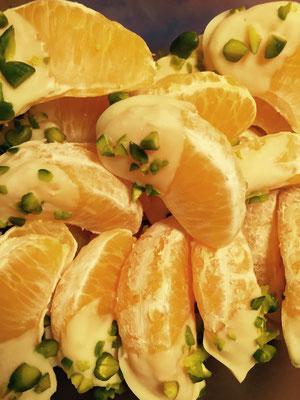 Mandarinen mit weisser Schoggi und Pistazien