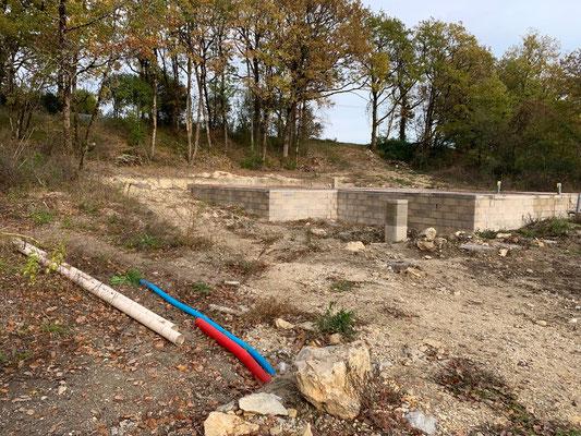 Les fondations de la maison sont creusées