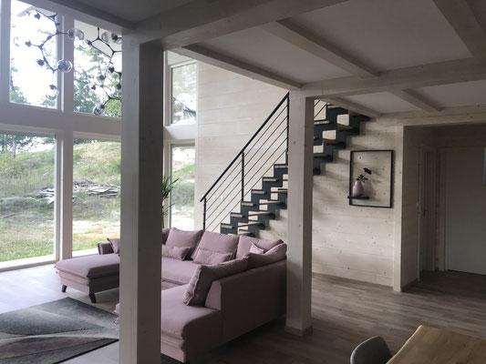 sépour ouvert sur escalier moderne en métal