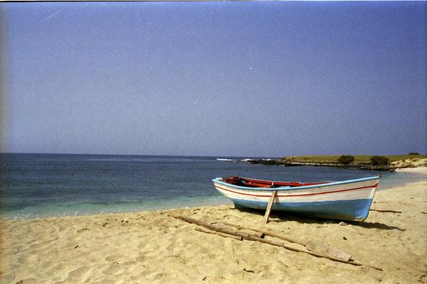 Boot am Strand - Insel Maio, Kapverden
