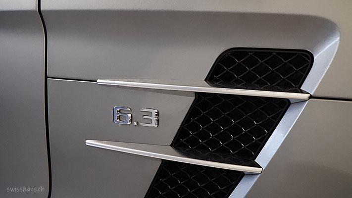 Detail eines grauen Mercedes in der Sterngarage Heerbrugg