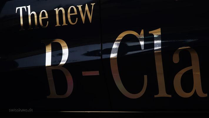Goldener Schriftzug auf einem Mercedes der Sterngarage Heerbrugg
