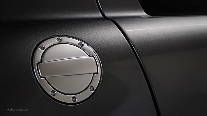 Eleganter Tankdeckel eines Mercedes in der Sterngarage Heerbrugg