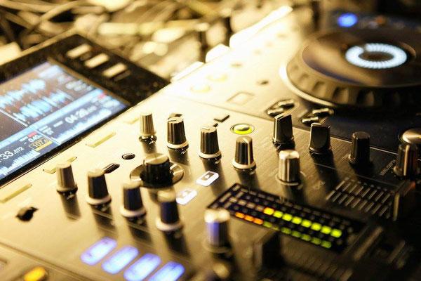 Bild Court102 DJ