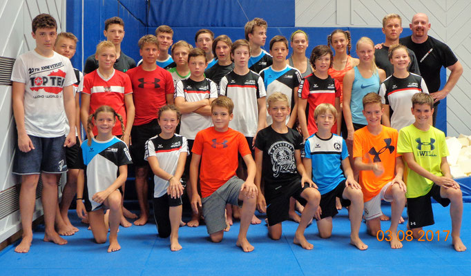 Kickboxtraining mit dem Schülerkader des OÖ Landesschiverbandes in Linz Kickboxing 4 L&M