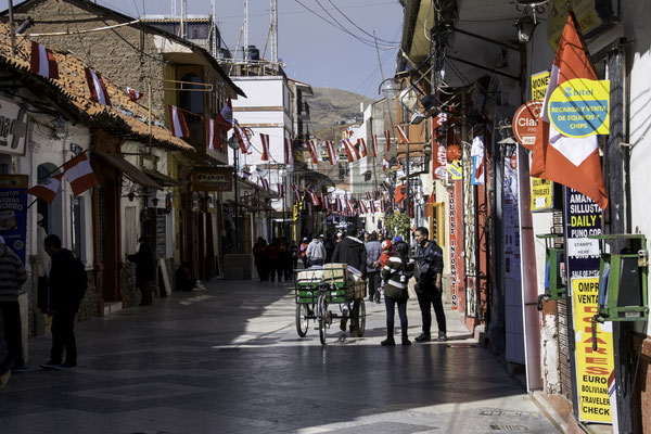 Fussgängerstrasse in der Innenstadt Punos