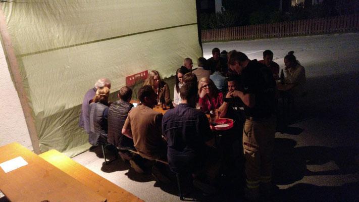 Bis nach Mitternacht konnten unsere Gäste bei angenehmen Temperaturen im Freien sitzen