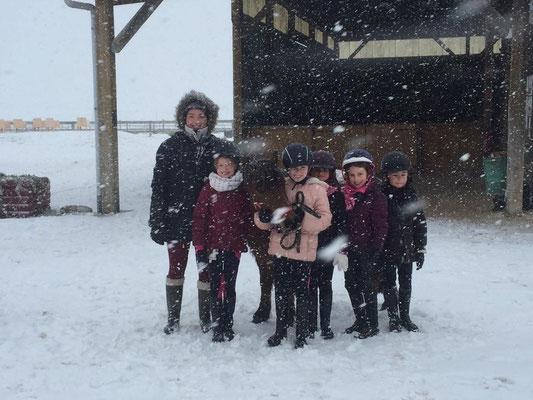 Sous la neige au poney club, les Rouillons, Sens
