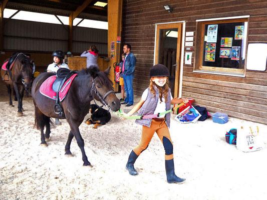 Cours de poney à Sens