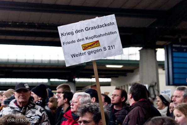 Stuttgart 21 - Demo am Tag des symbolischen Baubeginns