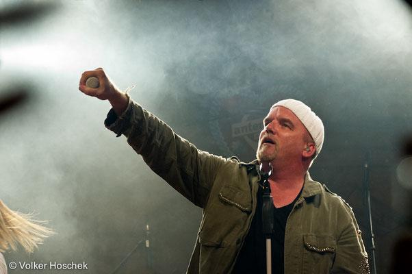 DJ Ötzi im Cannstatter Wasenzelt von Sonja Merz