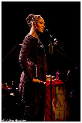 Lisa Simone & Band im Theaterhaus