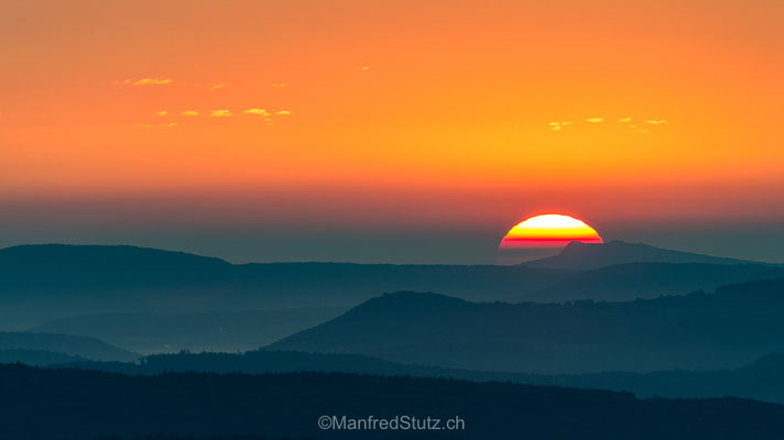 Sonnenaufgang über dem Aargauer Jura