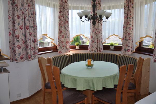 Essbereich im Erker - Appartement 2