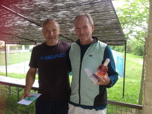 Finale 3ème série H + 45. de G à D : Gilles Pécheral et Matthew Carlson. Vainqueur Gilles Pecheral