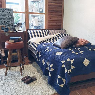 ベッド サイドテーブル
