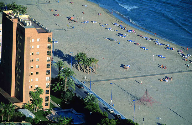 photos maria cristina beach benidorm