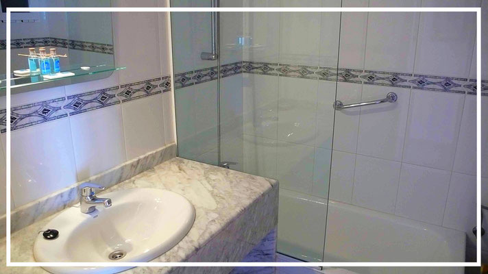 bathroom apartment nere benidorm