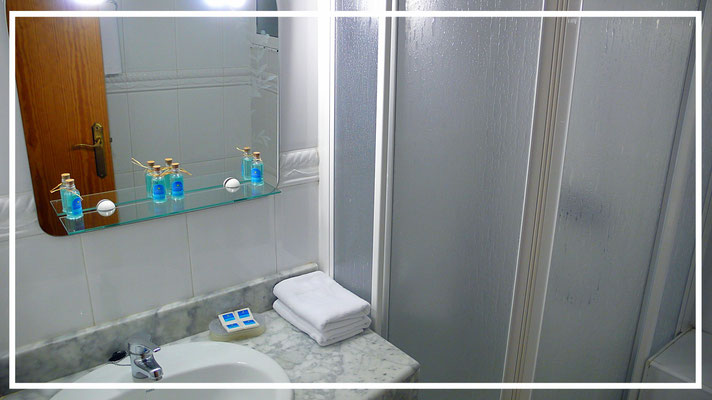 bathroom rent apartment bendiorm beach ulia