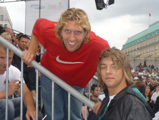 Kevin und Dirk Nowitzki ( Basketballprofi )