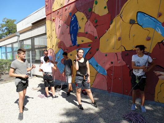 Kooperation 2017: MS Dachau-Süd bringt die AG Klettern mit