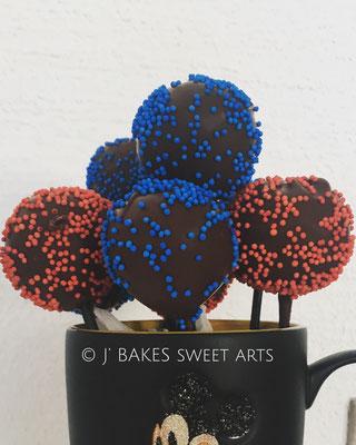Schokoladen-Haselnuss Cakepops mit Schokoladen Streusel Überzug