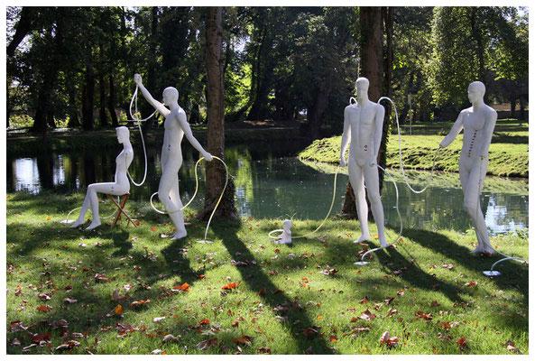 die kunstbevölkerung im schlosspark pottendorf bei wien