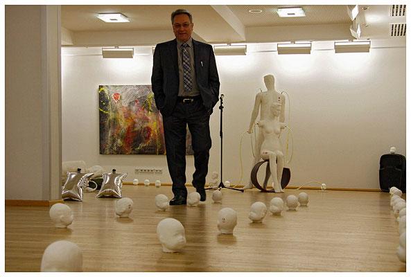 der kulturbeigeordnete kurz vor der kollision mit der kunst, foto: peter köcher