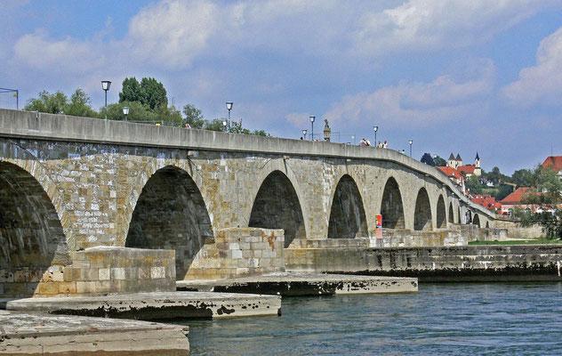 Die Steinerne Brücke, Foto: www.pixabay.com