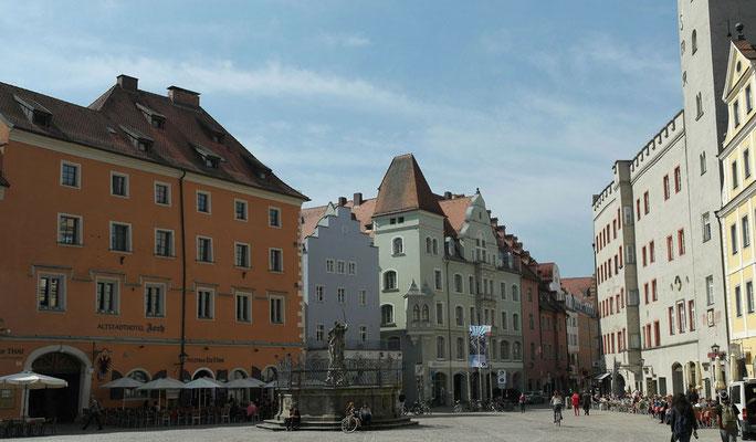 Der Haidplatz inmitten der Regensburger Altstadt, Foto: www.pixabay.com