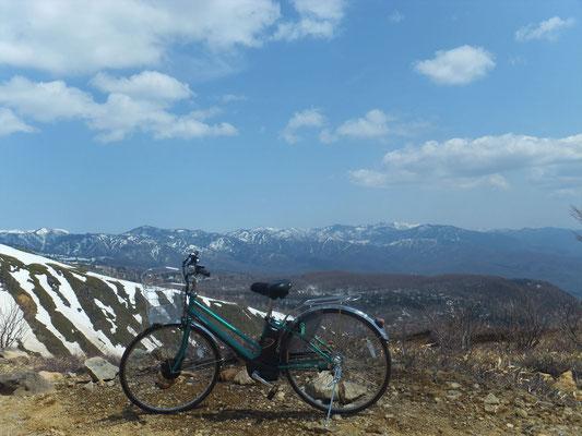 草津温泉の東側の山々
