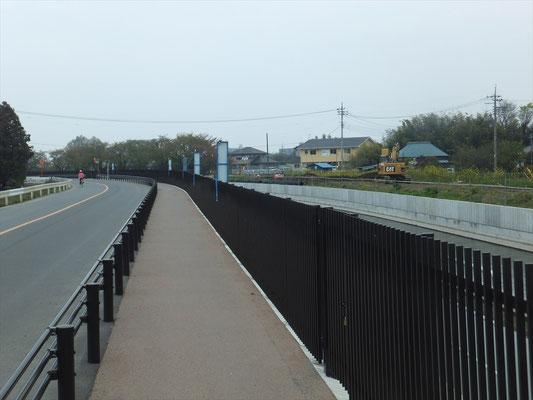 改修中の武蔵水路(2015年5月末に完成)