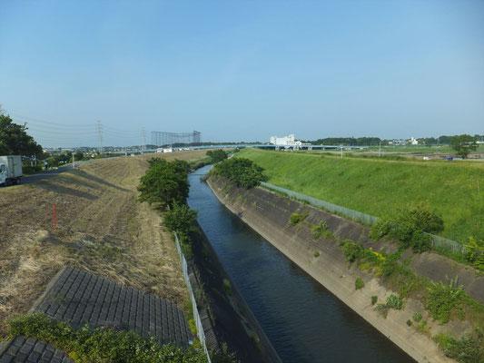 江戸川への合流地点付近の利根運河