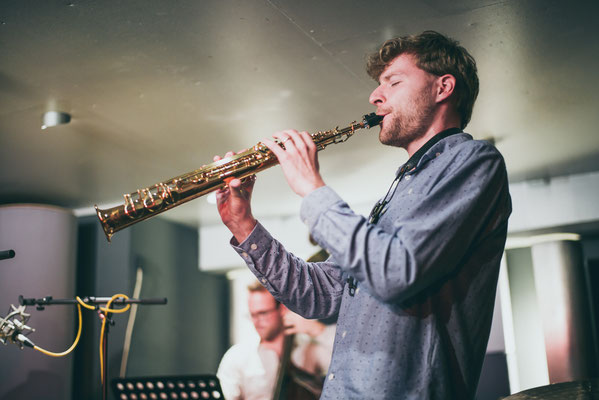 Martin Krechlak Saxophon und Philip Lewin Bass