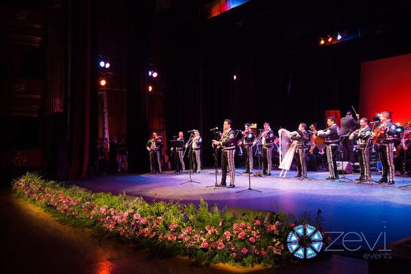mariachi en vallarta www.zevievents.com