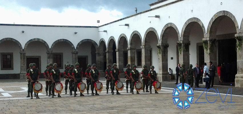 Banda de guerra para eventos www.zevievents.com