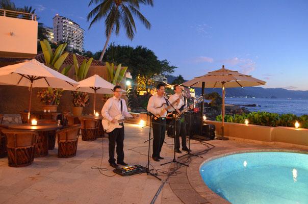 trio para bodas y eventos en vallarta www.zevievents.com