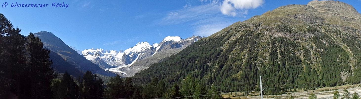 Panorama mit Morteraschgletscher von der Montebello-Kurve aus
