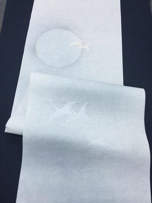 月と鶴紋様 水グレー タテ