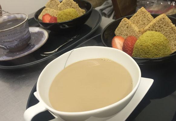 本日のケーキセット❤ドリンク+シフォン(紅茶&抹茶&豊平イチゴ)
