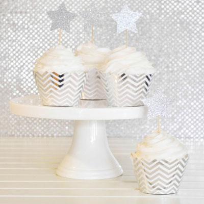 d233coration anniversaire blanc argent noir deco
