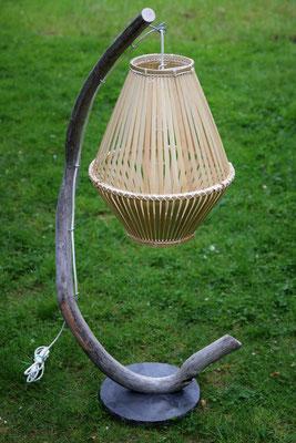 Stehleuchte Bamboo ca. 140cm hoch Preis: 100€