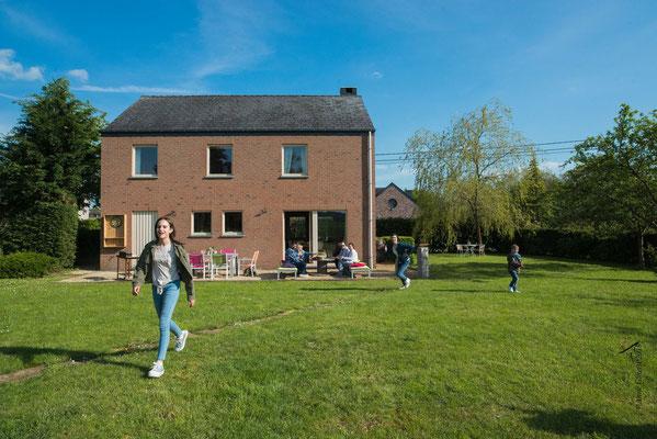 La Maison du Vivier, gîte 6 personnes à Durbuy - Grand jardin, balançoire