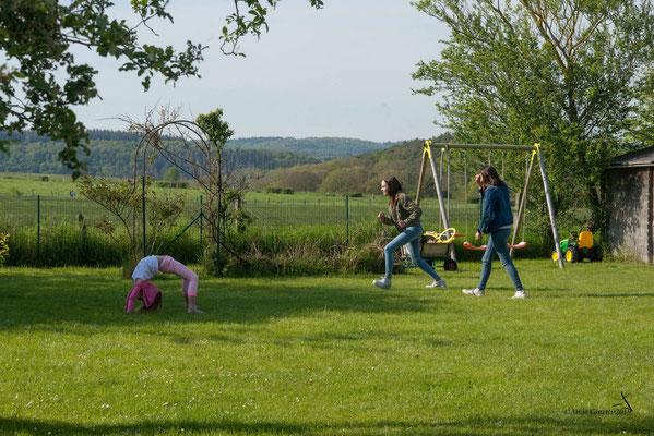 La Maison du Vivier, gîte 6 personnes à Durbuy - Grand jardin clôturé