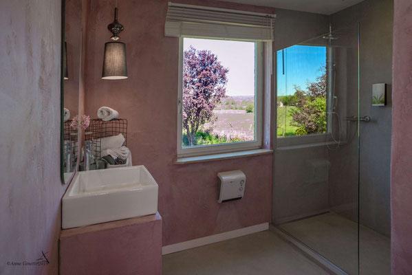 La Maison du Vivier, gîte 6 personnes à Durbuy - Salle de bain 2 avec douche à l'italienne et évier