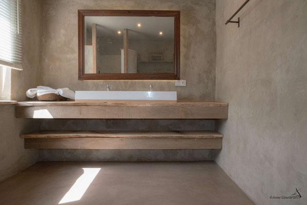 La Maison du Vivier, gîte 6 personen in Durbuy, Ardennen - Badkamer 1 met douche en lavabo